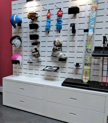 R SW DISPLAY P showroom