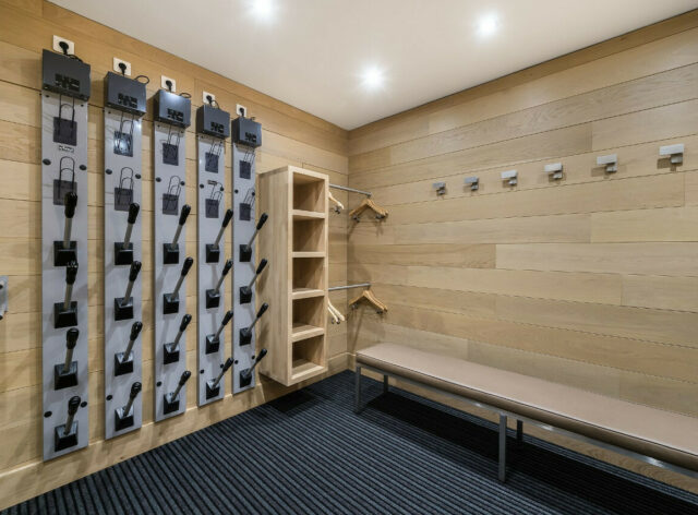 Chalet licorne de neiges courchevel 1650 ski room